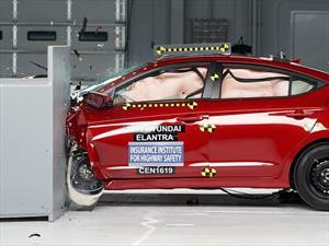 Hyundai Elantra 2018 obtiene el Top Safety Pick+ del IIHS