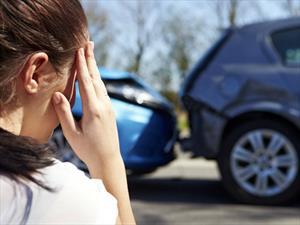 ¿Quiénes chocan más carros, hombres o mujeres?