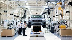 Polestar da inicio a la producción de su primer auto y tendrá mecánica híbrida