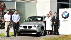 WBM entrega BMW X1 a Cruz Roja