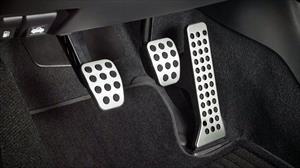 Cómo alargar el tiempo de vida del clutch del automóvil
