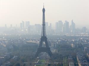 Autos con más 20 años no podrán circular en el centro de París