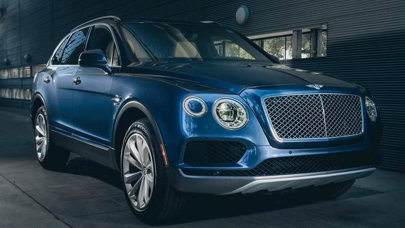 Bentley llama a revisión a más de 6,000 Bentayga