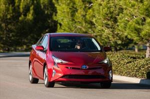 El Toyota Prius 2016 ya está en Chile por $ 27.590.000