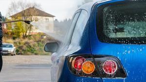 Las ventajas y desventajas de lavar el automóvil a presión