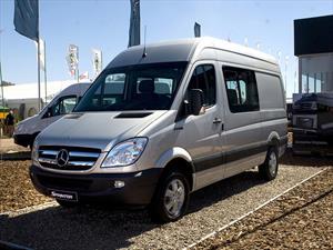 """Mercedes-Benz Sprinter """"Silver Edition"""" pone su estrella en Expoagro"""