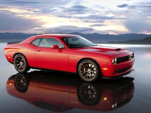 Dodge Challenger SRT Hellcat 2015, el dominador de los muscle cars