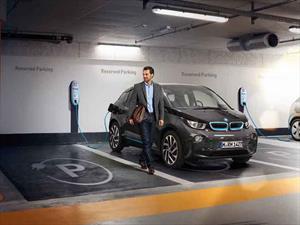 BMW entrega una estación de carga para vehículos eléctricos a la Universidad Anáhuac
