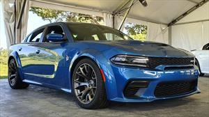 Dodge Charger SRT Hellcat y Scat Pack ahora con caderas Widebody