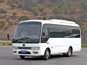 Buses Yotong estrena en Chile el V7