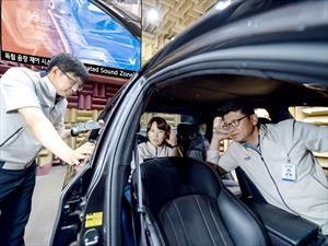 Kia logra que cada pasajero de un auto escuche su propia música sin audífonos