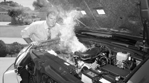 A qué se debe y cómo evitar que tu auto se caliente