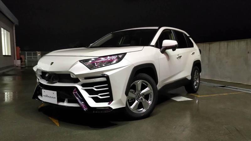 Transforma tu Toyota RAV4 en un Lamborghini Urus con un singular kit de carrocería