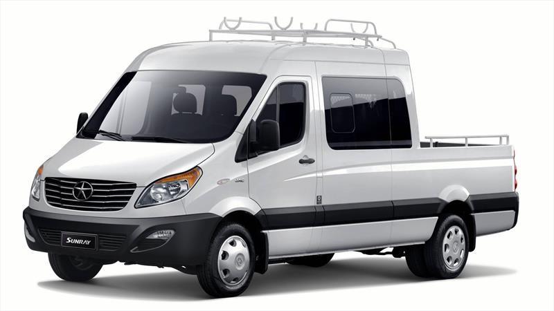 JAC lanza en Chile una nueva versión Sunray de triple cabina