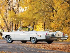 Este peculiar Pontiac Bonneville 1963 puede ser tuyo