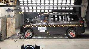 Toyota Sienna 2014 tiene 5 estrellas en las pruebas de choque de la NHTSA
