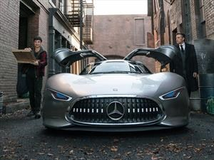 Batman cambia su Batmobile por un Mercedes-Benz
