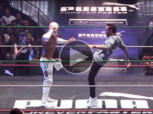 Video: Lewis Hamilton contra Místico en la lucha libre