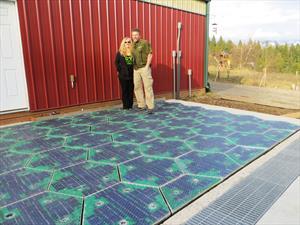 Paneles solares en el piso de tu garage