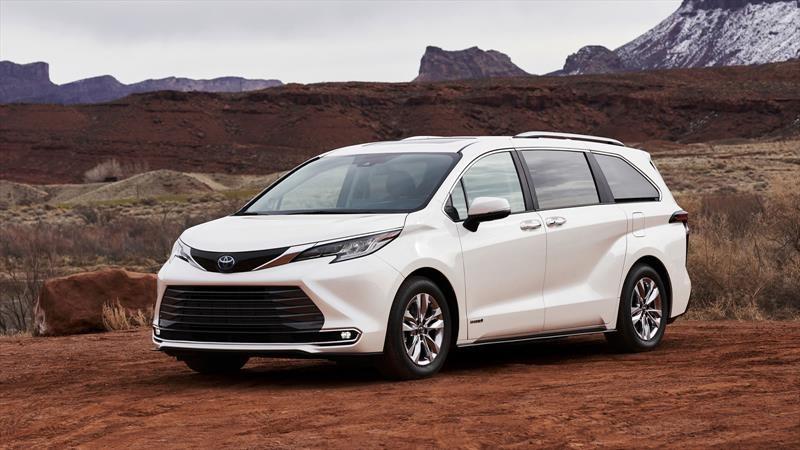 Toyota Sienna 2021 se hibridiza