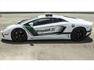 Policía de Dubai utiliza Ferrari FF y Lamborghini Aventador como patrullas