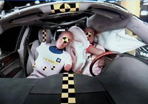 GM desarrolla la primera bolsa de aire central frontal