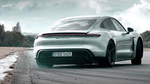 Porsche Taycan Turbo S le dobla la mano al Veyron y al Ferrari Enzo en el circuito de Top Gear