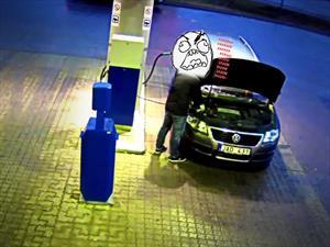 Video: Visita a la gasolinera se convierte en pesadilla