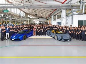 El Aventador supera la barrera de las 8.000 unidades