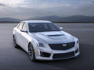 Cadillac presenta las ediciones Crystal White Frost Edition del ATS-V y CTS-V 2016