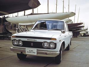 La Toyota Hilux cumple medio siglo de vida
