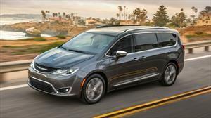 Chrysler Pacifica 2020 llega a México, la pionera del segmento ahora con mayor equipamiento