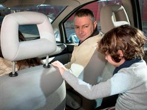 Sanciones para quienes trasladen a niños en asientos delanteros