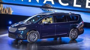 Chrysler Pacifica 2021, reinvención de la exitosa minivan