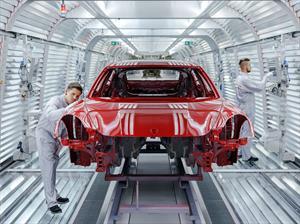 El Porsche Panamera 2017 se producirá por completo en Leipzig