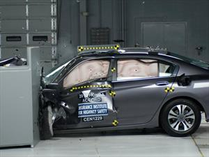 Honda Accord 2016 obtiene el Top Safety Pick+ del IIHS