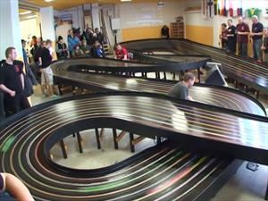 Impresionante carrera de autos slot