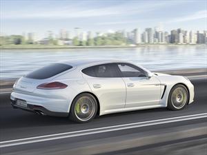 Porsche Panamera S E-Hybrid debuta