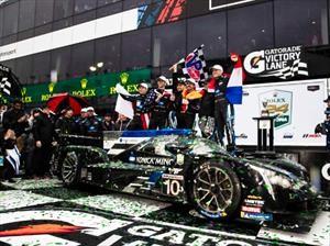Fernando Alonso gana las 24 Horas de Daytona y hace historia