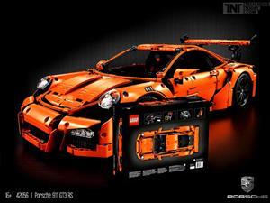 Porsche 911 GT3 RS al estilo Lego