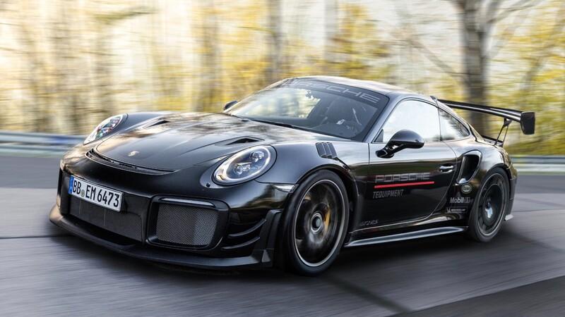 Video: Porsche 911 GT2 RS se adueña del récord de Mercedes en Nürburgring
