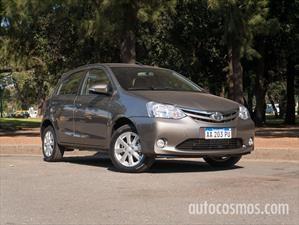 Prueba Toyota Etios automático
