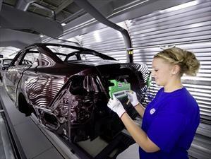 Volkswagen pretende ser el mayor fabricante de autos eléctricos del mundo