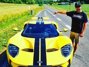 Ken Block conduce el Ford GT en la pista de Le Mans