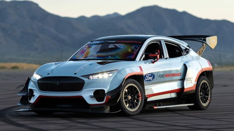 Ford Mustang Mach-E 1400 es un auto de carreras con 1,400 caballos de fuerza