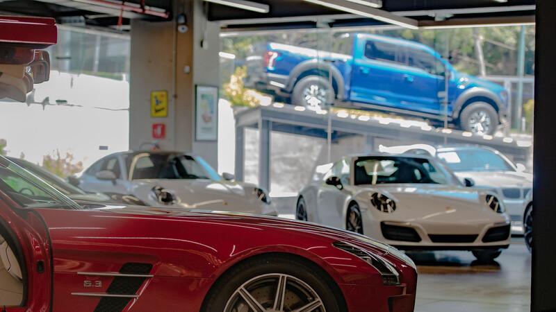 Iconic Broker, el glamoroso negocio de los autos exóticos