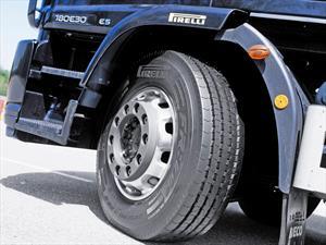 """Pirelli estrena """"01 Series"""": Nueva generación de neumáticos radiales"""