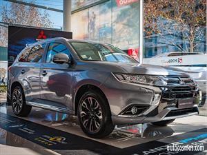 Mitsubishi Outlander PHEV 2018, recibe facelift