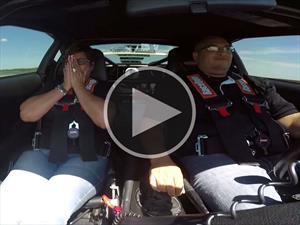 Festeja el día de las madres en un Toyota Supra con 1,500 hp