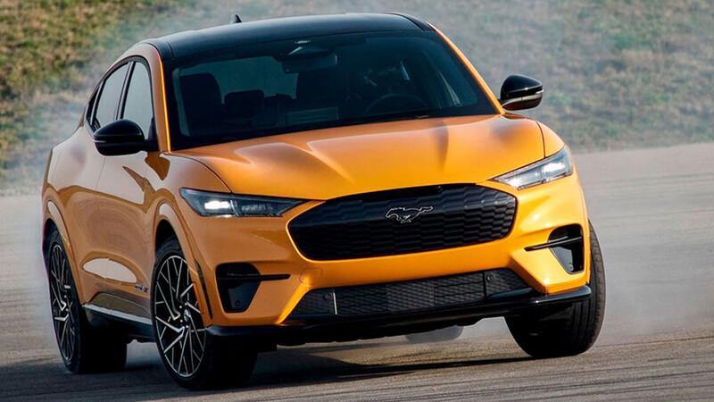 Ford Mustang Mach-E consigue récord Guinness de autonomía